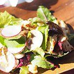 アウトドア ハワイごはん-Taste of Hawaii-⑪】クリスマスにぴったり! ナッツとスモークチキンのサラダ