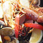 アウトドア ハワイごはん-Taste of Hawaii-⑫】魚介のうまみをたっぷり味わう 有頭エビのパエリア
